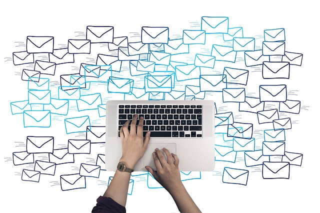 billentyűzet és e-mail